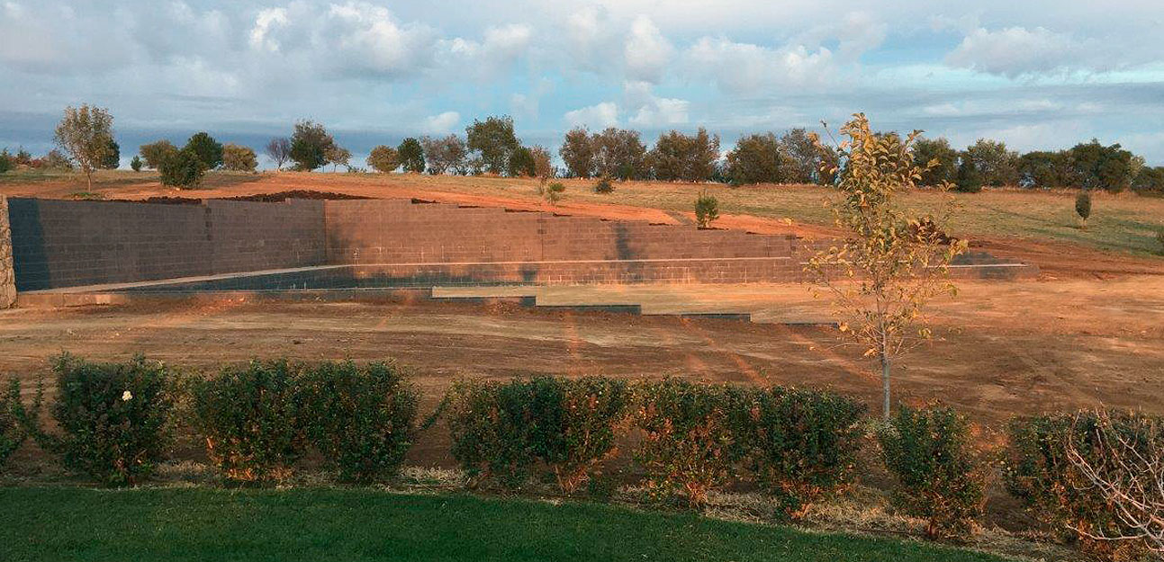 cowra concrete products grey block retaining wall