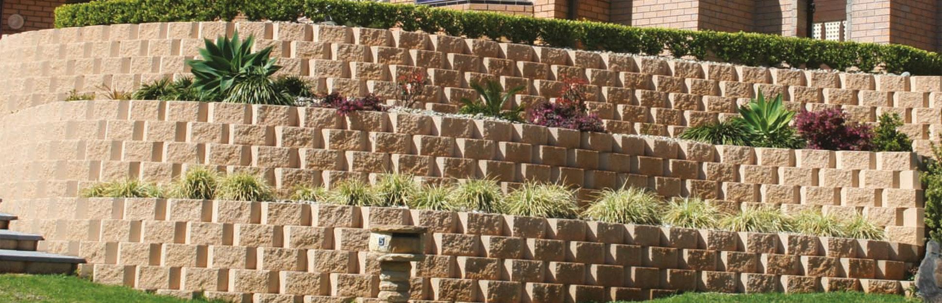 Norfolk concrete block retaining wall system